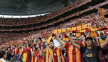 Liverpool, Florenz und das Istanbul-Derby machen den Montag rund