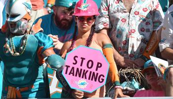 Gewinnen verboten? Miami und Cincinnati im Tank Bowl
