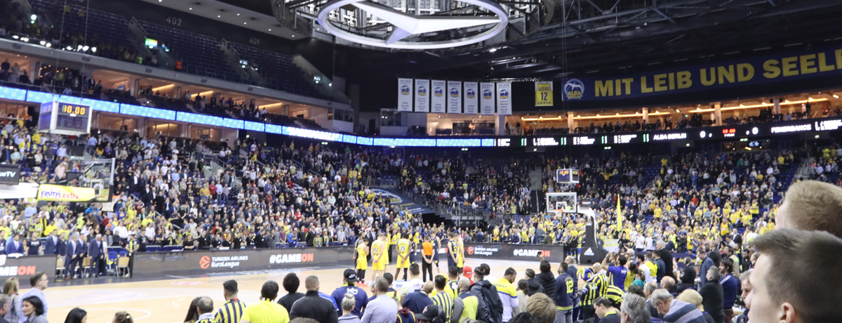 Alba Berlin gegen Oldenburg: Basketball on Ice!