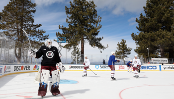 NHL Lake Tahoe: Grubauer und Co. beim Winter Classic Light