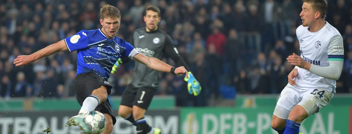 Arminia Bielefeld - Schalke 04: Grabesstimmung auf der Alm