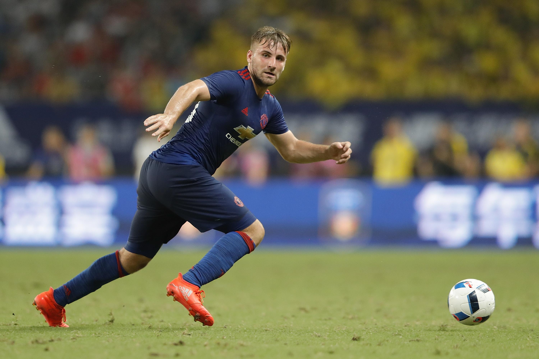 Luke Shaw, jugador del Manchester United, durante el amistoso ante el Dortmund.