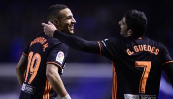 Valencia-Deportivo: un broche de oro y un crespón negro en Mestalla