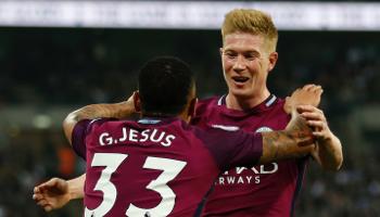 Los mejores dúos de goleadores y centrales de la Premier League
