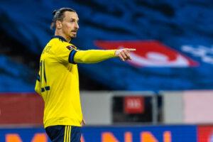 Slatan Ibrahimovic jugando para la selección de Suecia
