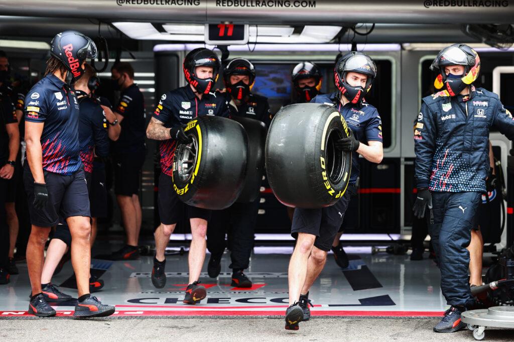Neumáticos de un vehículo de fórmula 1   Fórmula 1   Automovilismo