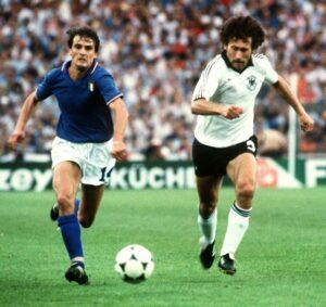 Italian forward Marco Tardelli (L) and West German
