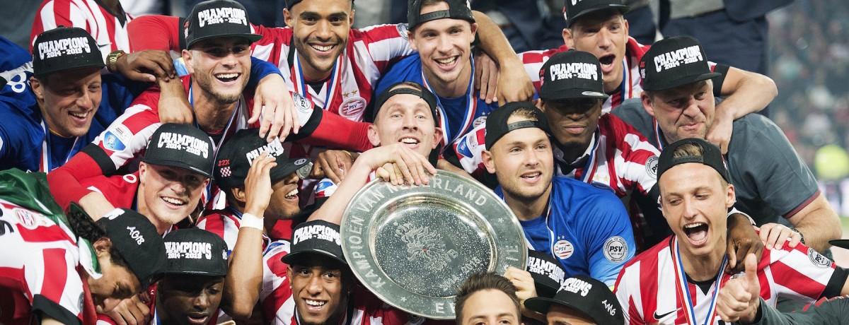 Eredivisie, Psv Eindhoven alla caccia del bis: sarà corsa a due con l'Ajax