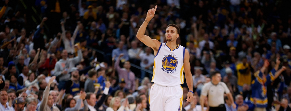 Nba: Curry formato MVP batte i Los Angeles Clippers