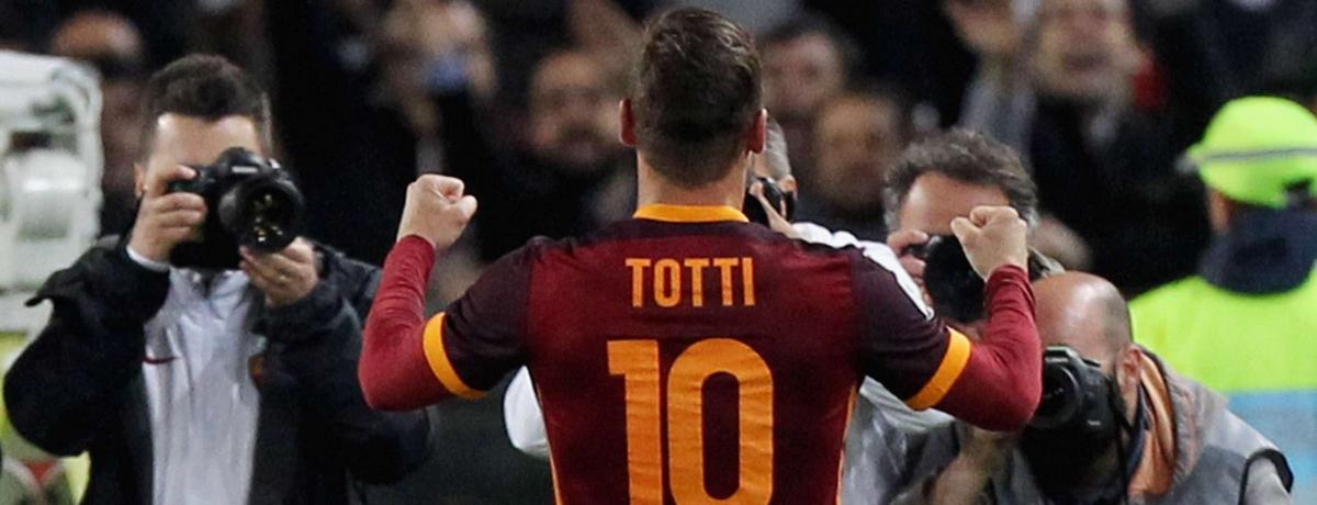 I gol di Totti per la Champions della Roma: un amore destinato a continuare