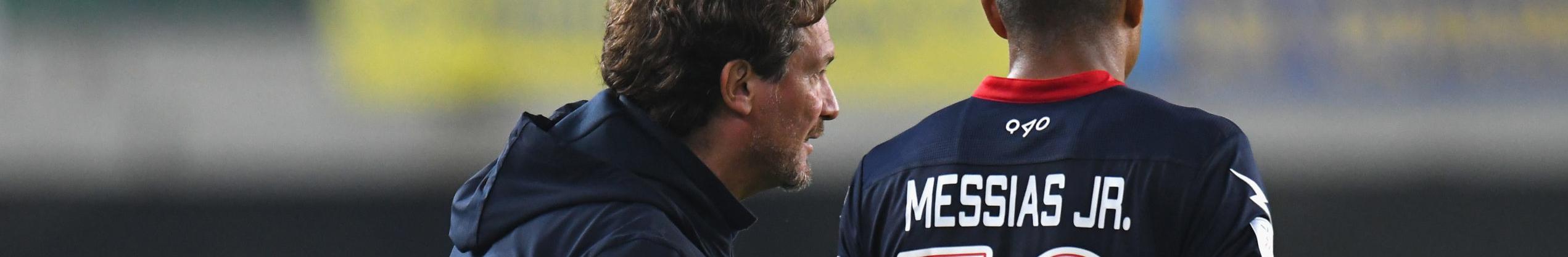 Cosenza-Crotone: derby calabrese tra due squadre dalle ambizioni opposte