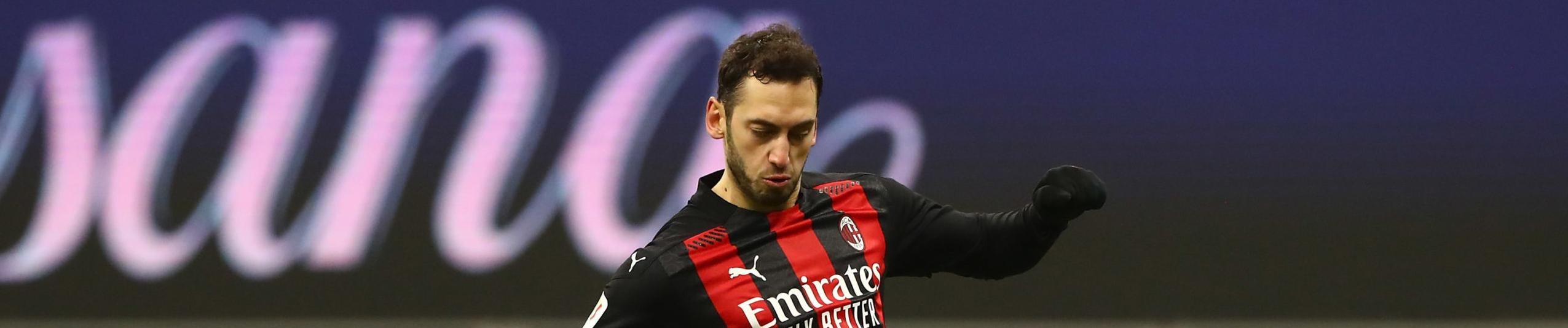 Milan-Crotone: rientra Calhanoglu a guidare l'attacco rossonero
