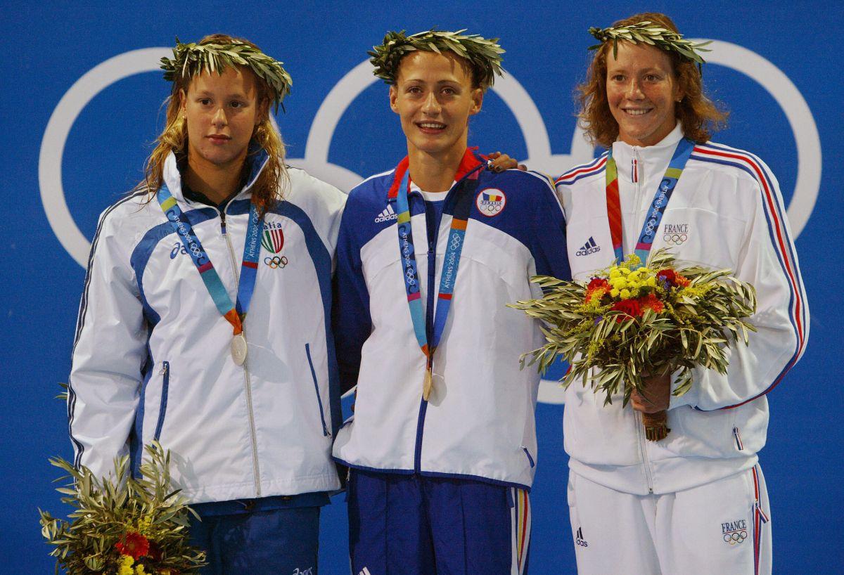 Federica Pellegrini nel suo primo podio olimpico, ad Atene 2004
